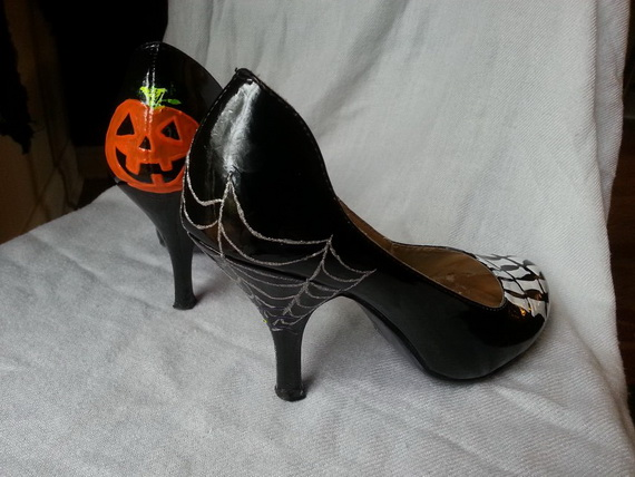 Gorgeous Halloween Wedding Shoes Inspirations For a Spooky Big Day_11