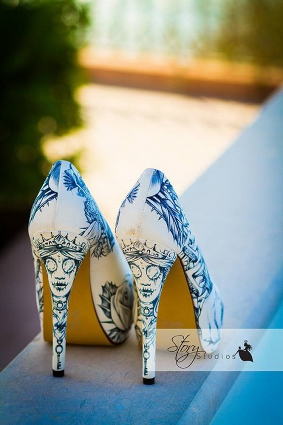 Gorgeous Halloween Wedding Shoes Inspirations For a Spooky Big Day_28