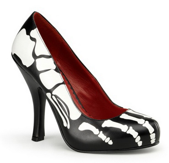 Gorgeous Halloween Wedding Shoes Inspirations For a Spooky Big Day_51