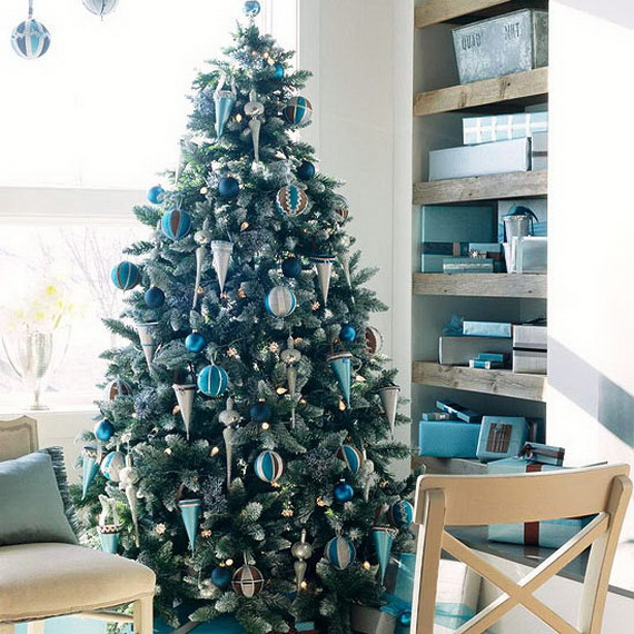 How to Decorate a Christmas Tree Traditionally In Easy Steps_06