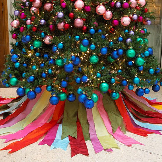 How to Decorate a Christmas Tree Traditionally In Easy Steps_68
