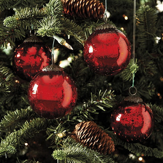 How to Decorate a Christmas Tree Traditionally In Easy Steps_8
