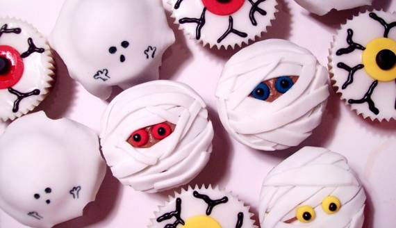 spooky-halloween-treats-and-sweets-ideas-for-kids-r