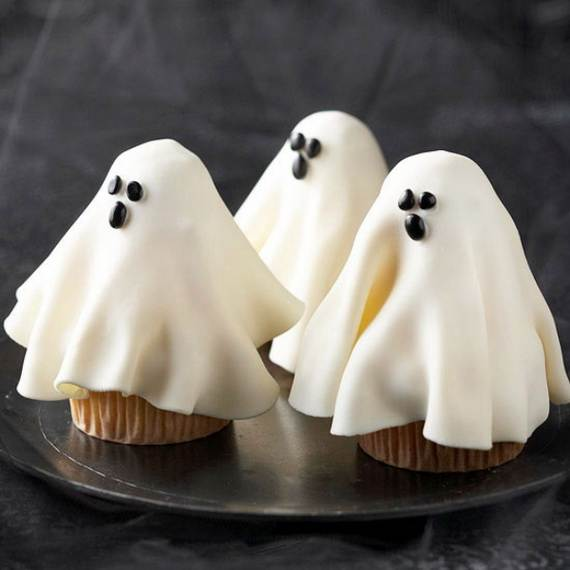 spooky-halloween-treats-and-sweets-ideas-for-kids-v