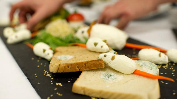 Sweet and salty Edible Halloween Decoration Ideas for kids _06