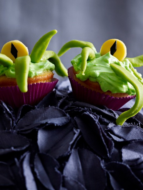 Sweet and salty Edible Halloween Decoration Ideas for kids _27