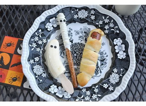 Sweet and salty Edible Halloween Decoration Ideas for kids _43