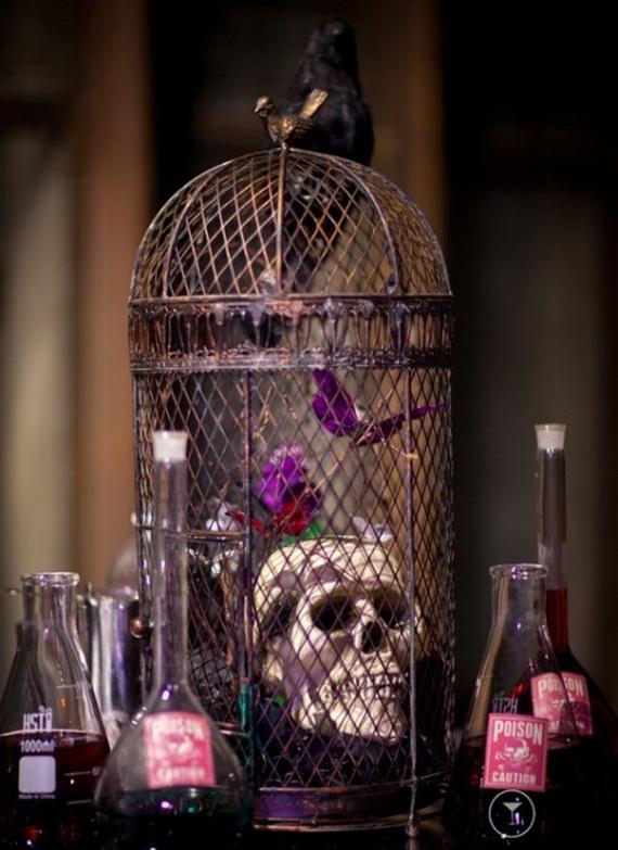 Whimsical Spooky Halloween Table Decoration Wedding Ideas _08