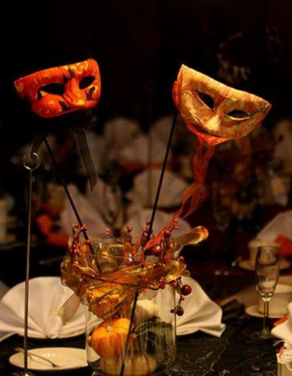 Whimsical Spooky Halloween Table Decoration Wedding Ideas _09