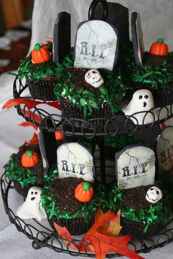 Whimsical Spooky Halloween Table Decoration Wedding Ideas _24