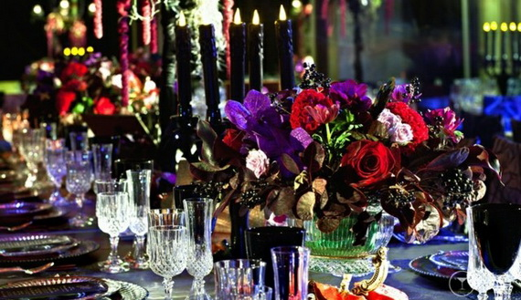 Whimsical Spooky Halloween Table Decoration Wedding Ideas _31