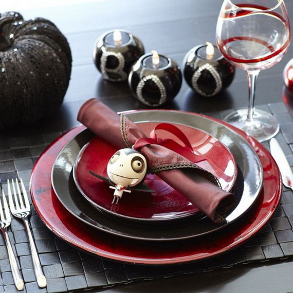 Whimsical Spooky Halloween Table Decoration Wedding Ideas _46