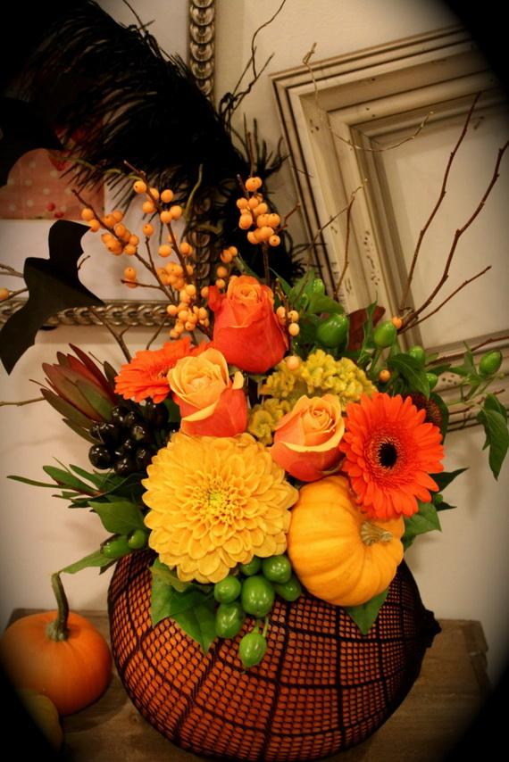Whimsical Spooky Halloween Table Decoration Wedding Ideas _59