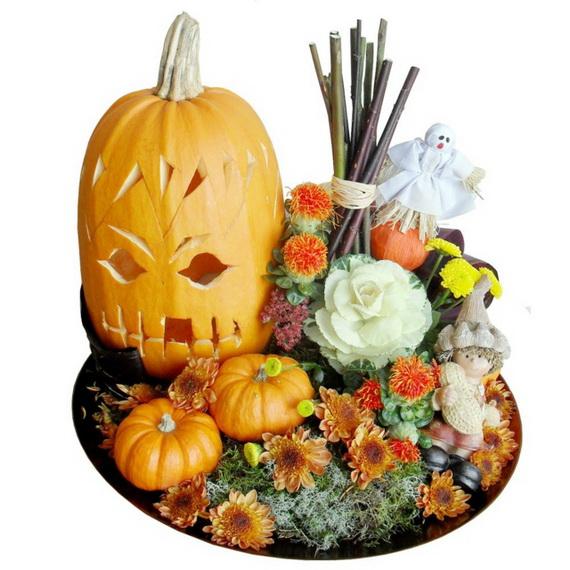 Whimsical Spooky Halloween Table Decoration Wedding Ideas _62