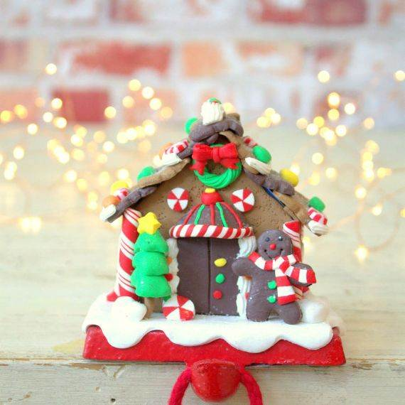 gingerbread-house-stocking-holder