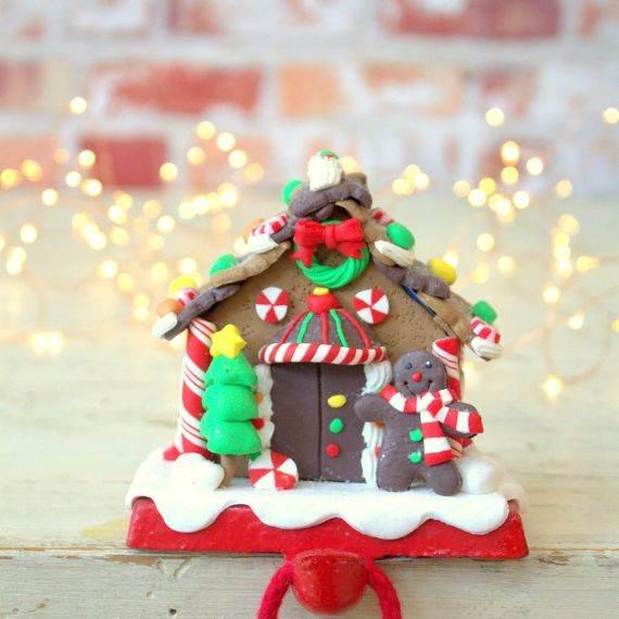 gingerbread-house-stocking-holder