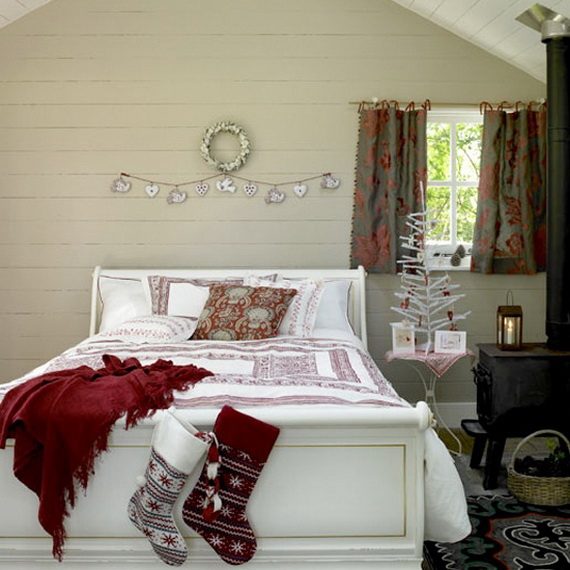 Adorable Bedroom Decor Ideas For Christmas and Special Occasion _37