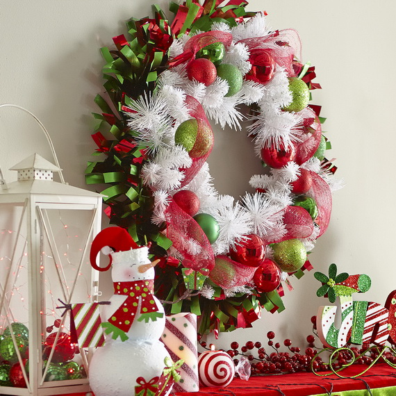 Creative Christmas Wreath Decor Ideas_03