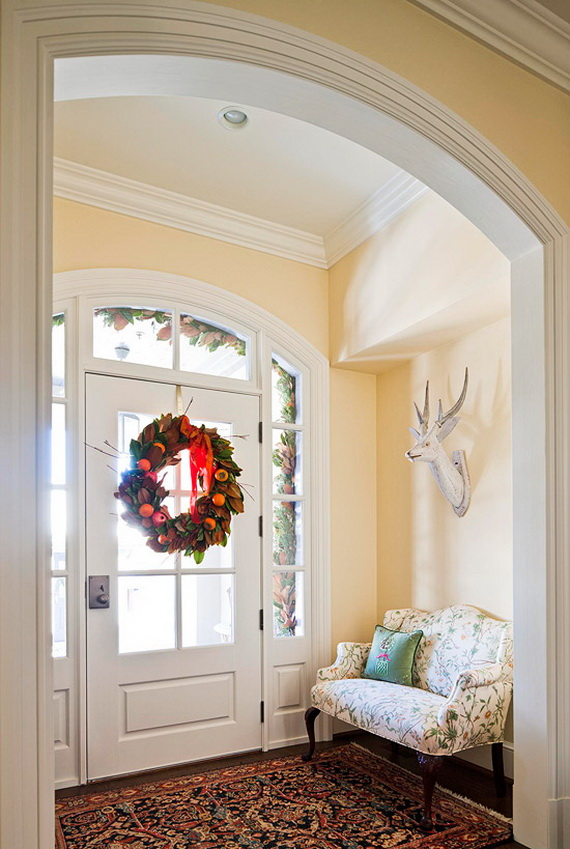 Creative Christmas Wreath Decor Ideas_32