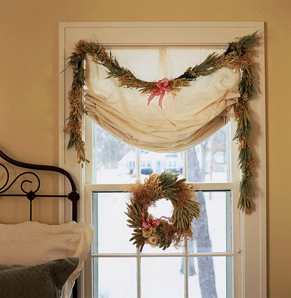 Creative Christmas Wreath Decor Ideas_40