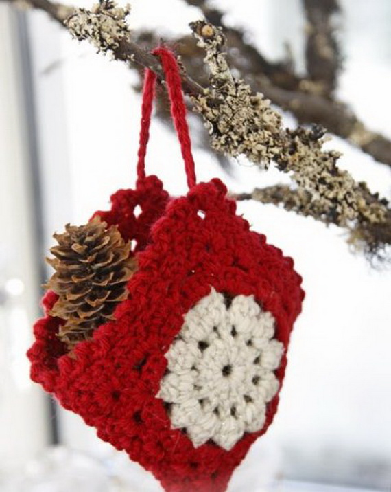 Cute And Cozy Knitted Christmas Decorations_24