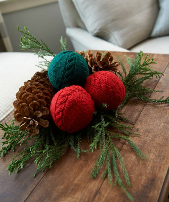 Cute And Cozy Knitted Christmas Decorations_25