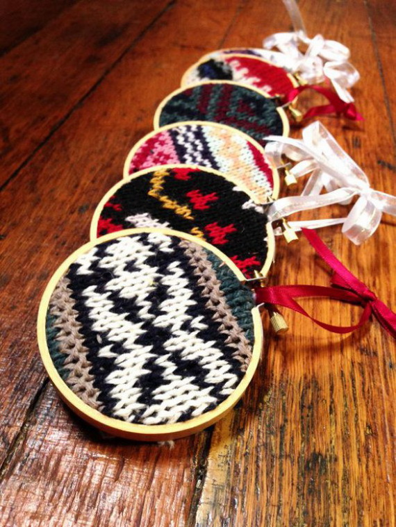 Cute And Cozy Knitted Christmas Decorations_29