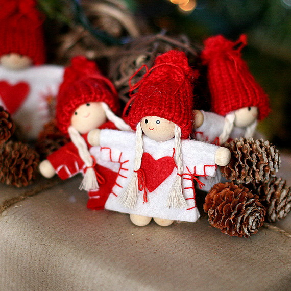 Cute And Cozy Knitted Christmas Decorations_33