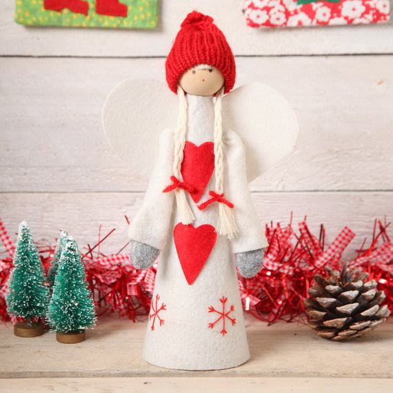Cute And Cozy Knitted Christmas Decorations_37