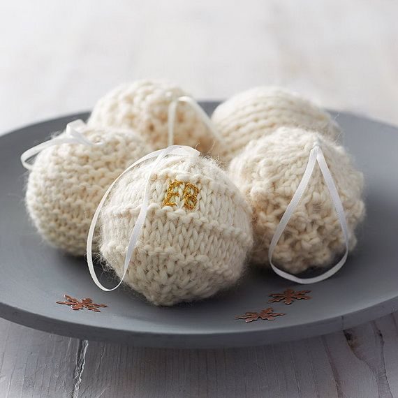 Cute And Cozy Knitted Christmas Decorations_66