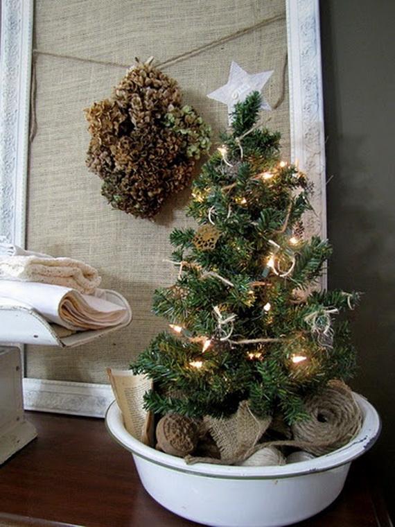 50 Festive Bathroom Decorating Ideas For Christmas - family ...