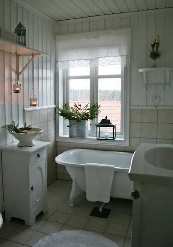 Festive Bathroom Decorating Ideas For Christmas_36