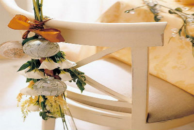 35 Festive Holiday Chair Decorations