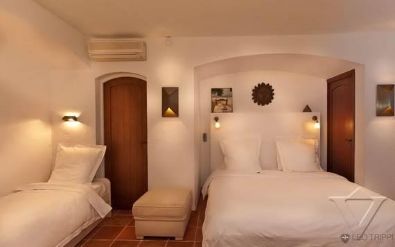 luxury-holiday-villa-rental-near-the-beach-in-st-tropez-villa-bella-_05