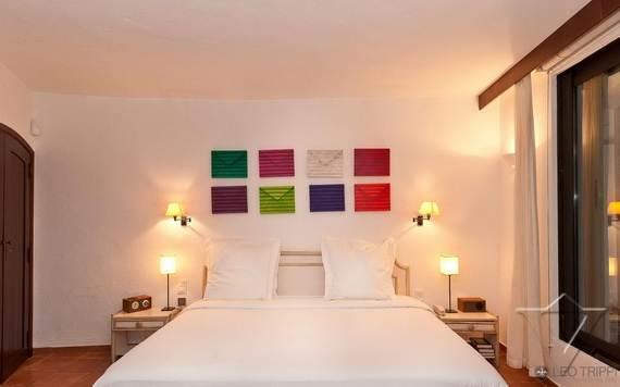 luxury-holiday-villa-rental-near-the-beach-in-st-tropez-villa-bella-_08