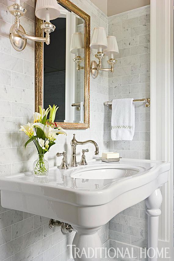 Romantic sexy bathroom decor for valentine s day ideas for Romantic bathroom designs for couples