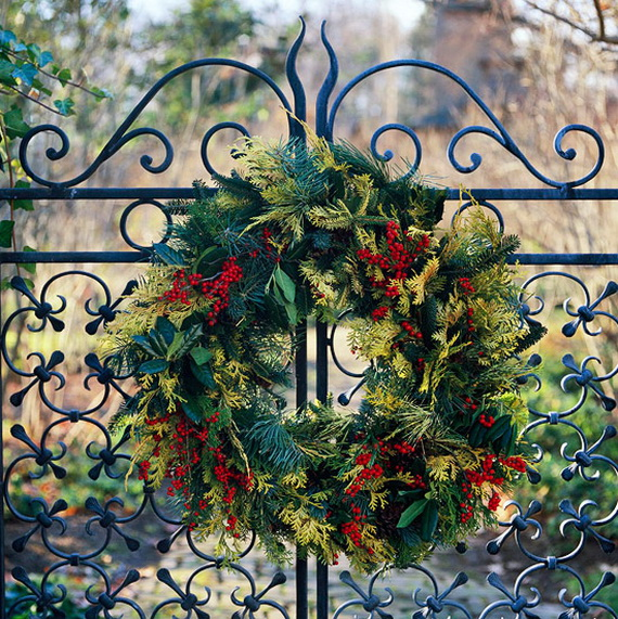 unique and unusual astonishing christmas holiday wrea 2 - Christmas Gate Decoration Ideas
