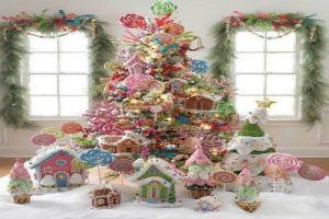 spectacular-christmas-tree-decoration-ideas-candyland-theme-christmas-candy-treats_resize