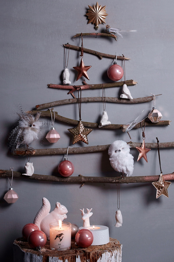 A Little More Festive Scandinavian Christmas Decor (1)