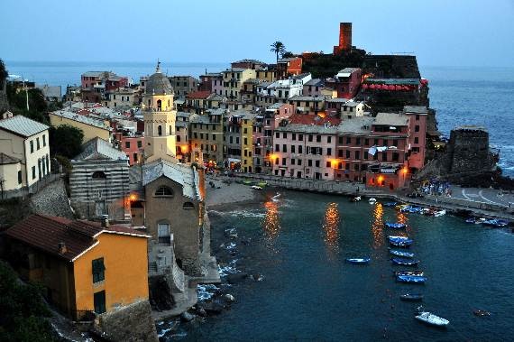 Explore-Stunning-The-Cinque-Terre-town-Of-Vernazza-On-The-Italian-Riviera-16
