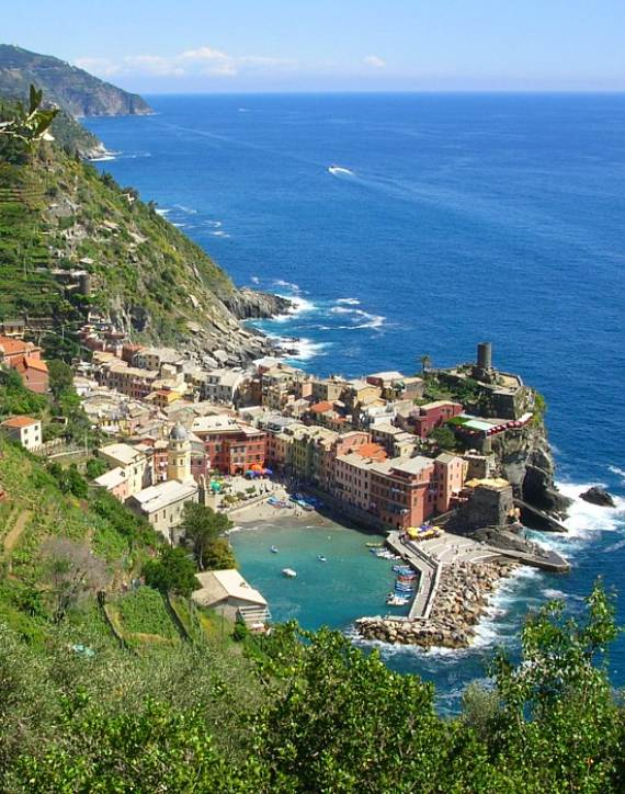 Explore-Stunning-The-Cinque-Terre-town-Of-Vernazza-On-The-Italian-Riviera-21