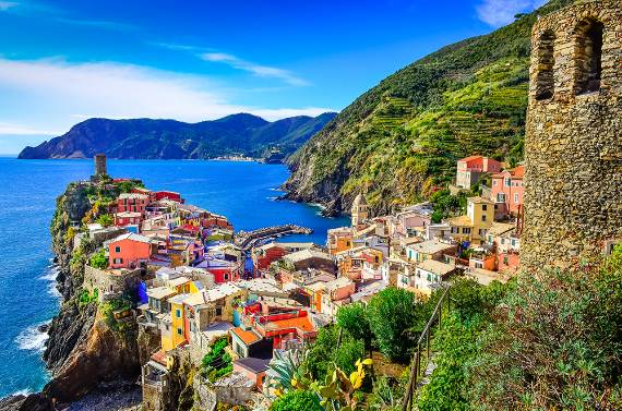 Explore-Stunning-The-Cinque-Terre-town-Of-Vernazza-On-The-Italian-Riviera-22