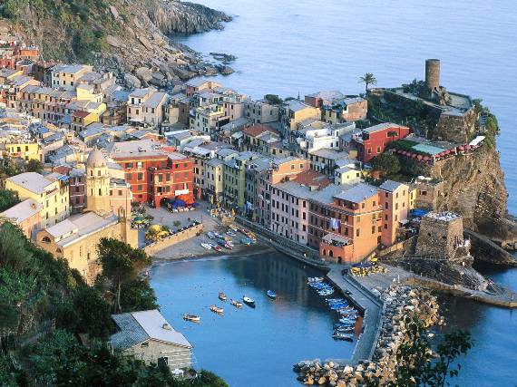 Explore-Stunning-The-Cinque-Terre-town-Of-Vernazza-On-The-Italian-Riviera-24
