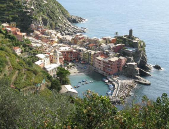 Explore-Stunning-The-Cinque-Terre-town-Of-Vernazza-On-The-Italian-Riviera-311