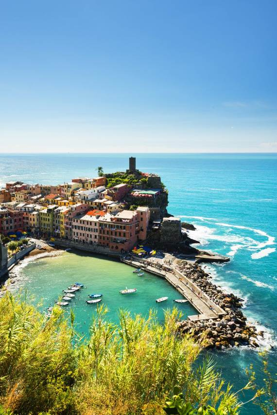 Explore-Stunning-The-Cinque-Terre-town-Of-Vernazza-