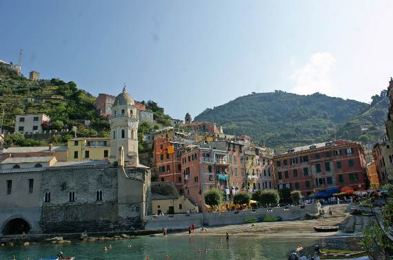 Explore-Stunning-The-Cinque-Terre-town-Of-Vernazza-On-The-Italian-Riviera-7