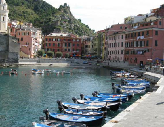 Explore-Stunning-The-Cinque-Terre-town-Of-Vernazza-On-The-Italian-Riviera4