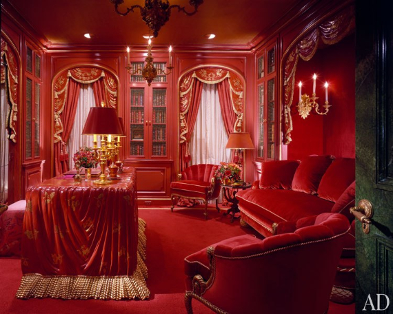 Hot Valentine Room Designs in Rich and Energetic Red Colors   (41)