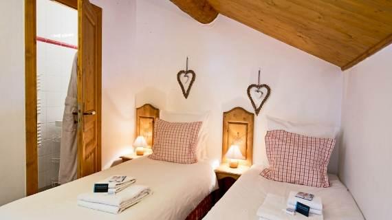 luxury-chalet-aurigny-an-easy-holiday-meribel-france-6