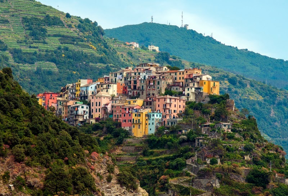 Riomaggiore An Incredible cliff-Side Village In Italy (28)